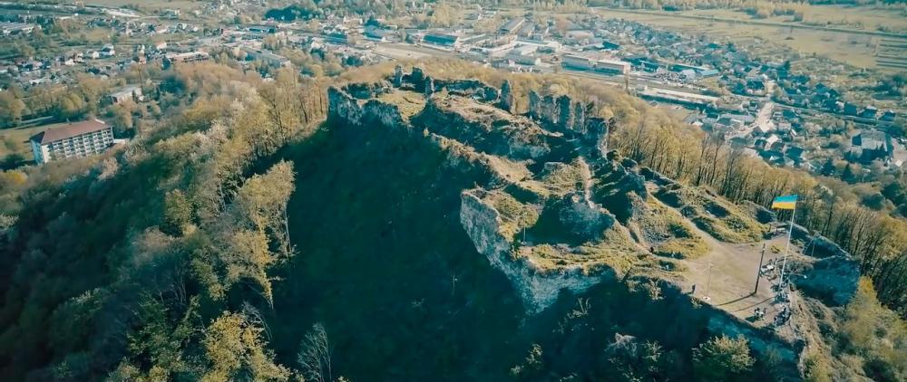 Castle-ruins-of-Khust-08.jpg