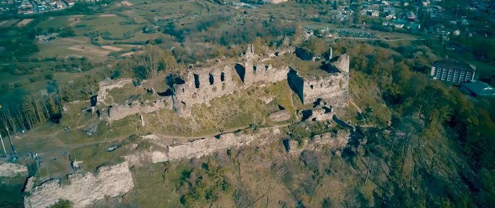 Castle-ruins-of-Khust-09.jpg