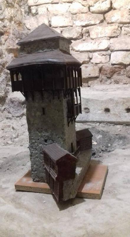 stolpie 2.jpg